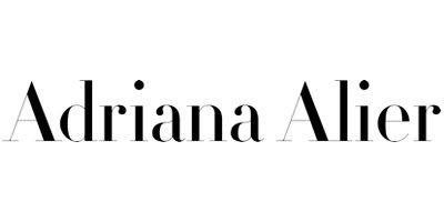 Adriana Alier. Eine Brautkleid Marke, die bei Princess Dreams Brautmode erhältlich ist.